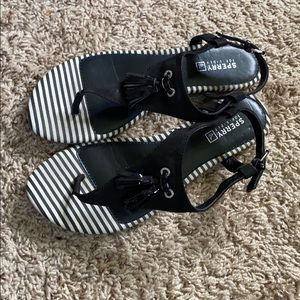 Black Sperry sandals size 8 1/2 with tassel